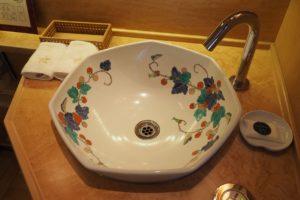 Lavatory bowl of Nanatsu-boshi