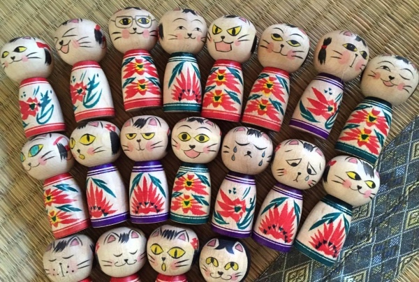 Cat kokeshi variation